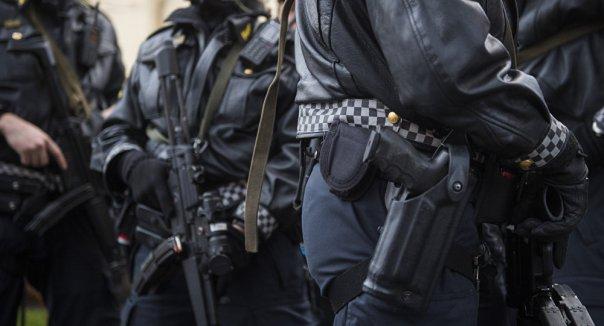 polizei-bewaffnet