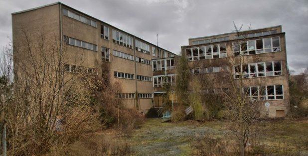 school_ruine